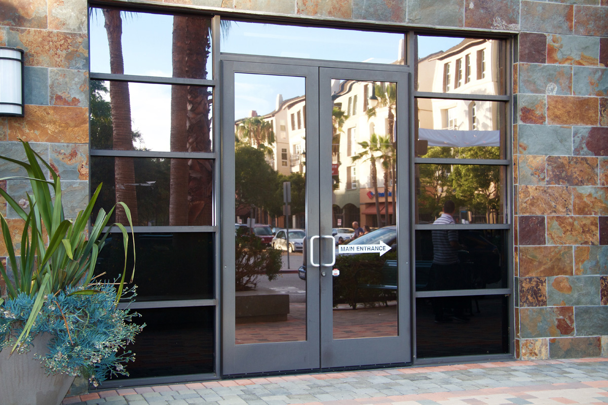 Commercial glass doors railings custom glass los for Commercial glass doors
